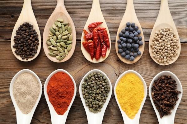 自炊者必見!一人暮らしでよく使う調味料や食材・コスパ最強料理まとめ